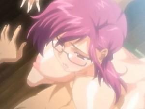 【エロアニメ】 田舎の儀式で輪姦され潮吹いてイカされるメガネ美女