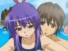 【エロアニメ】 周りに人がいるのにプールで尻コキ誘惑してくるスク水変態彼女を素股でイカせちゃうw